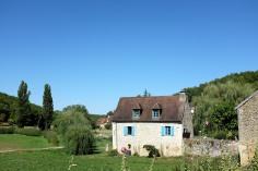 Une belle bâtisse du village de Saint-Amand-de-Coly
