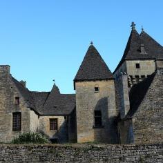 La belle église de Saint-Geniès, petit village du Périgord
