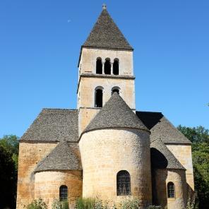 La petite église de Saint-Léon-sur-Vézère en Dordogne