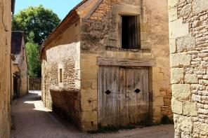 Les ruelles calmes du petit village de Saint-Léon