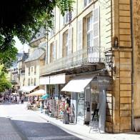 Le joli centre historique de Sarlat en Dordogne