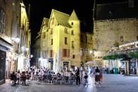 La très belle place de la liberté au centre du vieux Sarlat