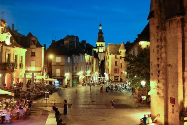 Sarlat Dordogne soir