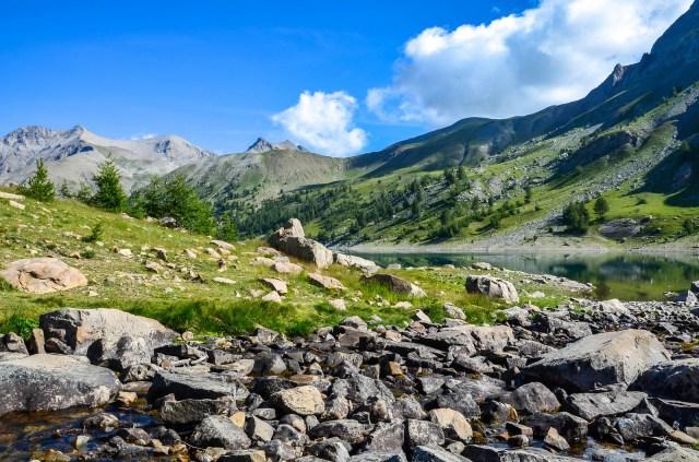 Le lac d'Allos dans le haut-Verdon au cœur du Parc National du Mercantour