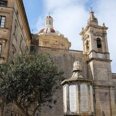 Une église du centre historique de la ville de Rabat à Malte