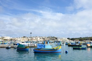 Marsaxlokk le village de pêcheurs et ses nombreux luzzu