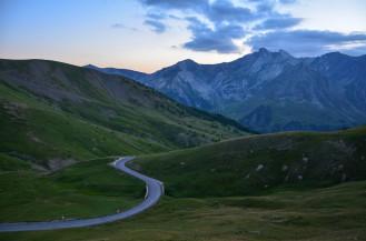 La route du col d'Allos qui descend vers la station de La Foux d'Allos