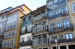 Des immeubles populaires du quartier historique La Ribeira
