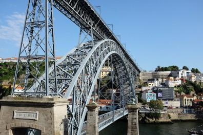Le pont Dom-Luís, emblématique de Porto et du quartier historique la Ribeira