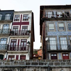 Architecture typique des maisons de la Ribeira à Porto