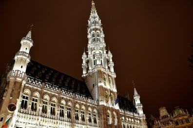 L'Hôtel de ville de Bruxelles, situé sur la Grand'Place, et son architecture gothique