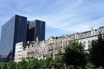 """La """"Bruxellisation"""" de la capitale belge dans laquelle se mêlent différents styles architecturaux sans aucune cohérence"""