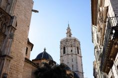 La tour El Miguelete surplombe la cathédrale