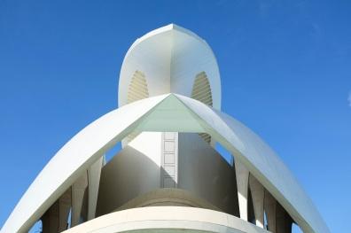 Un palais blanc futuriste de plus de 75 mètres de haut