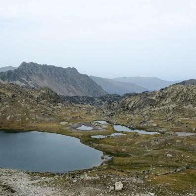 La vue sur les montagnes depuis le col de Bastan