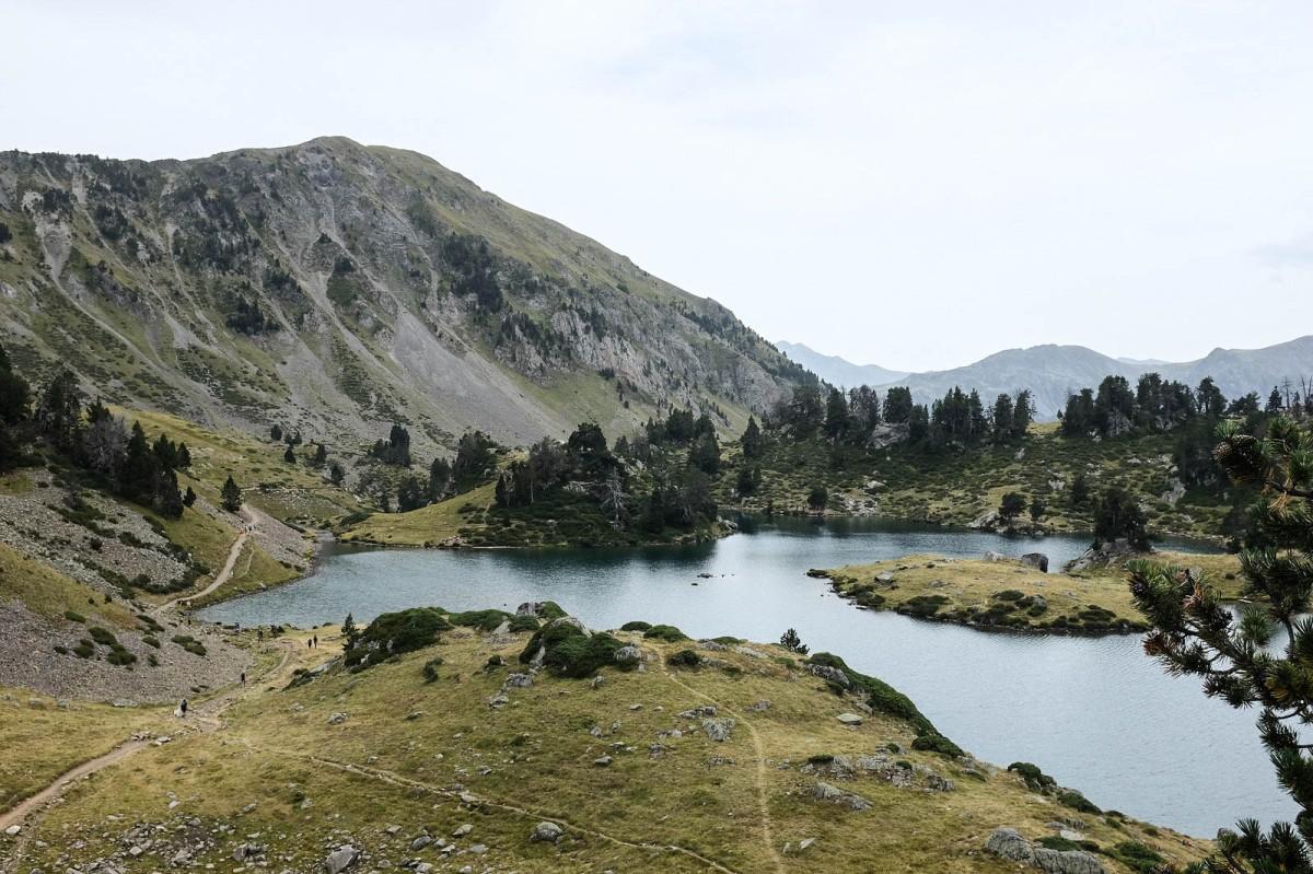 pyrenees lac bastan