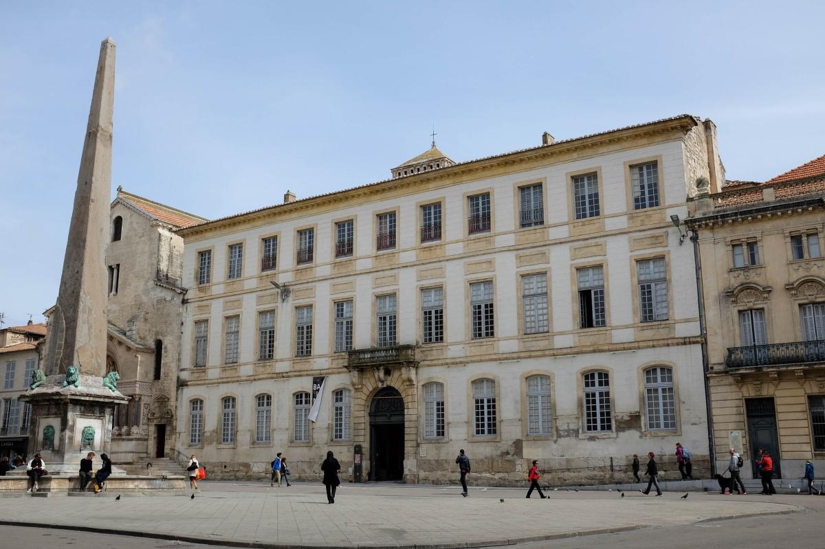 Arles hotel de ville