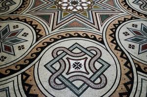 Les mosaïques sur le sol de la cathédrale de la Major