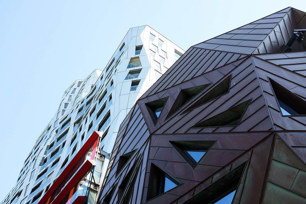 Rotterdam hypermodern skyscrapers
