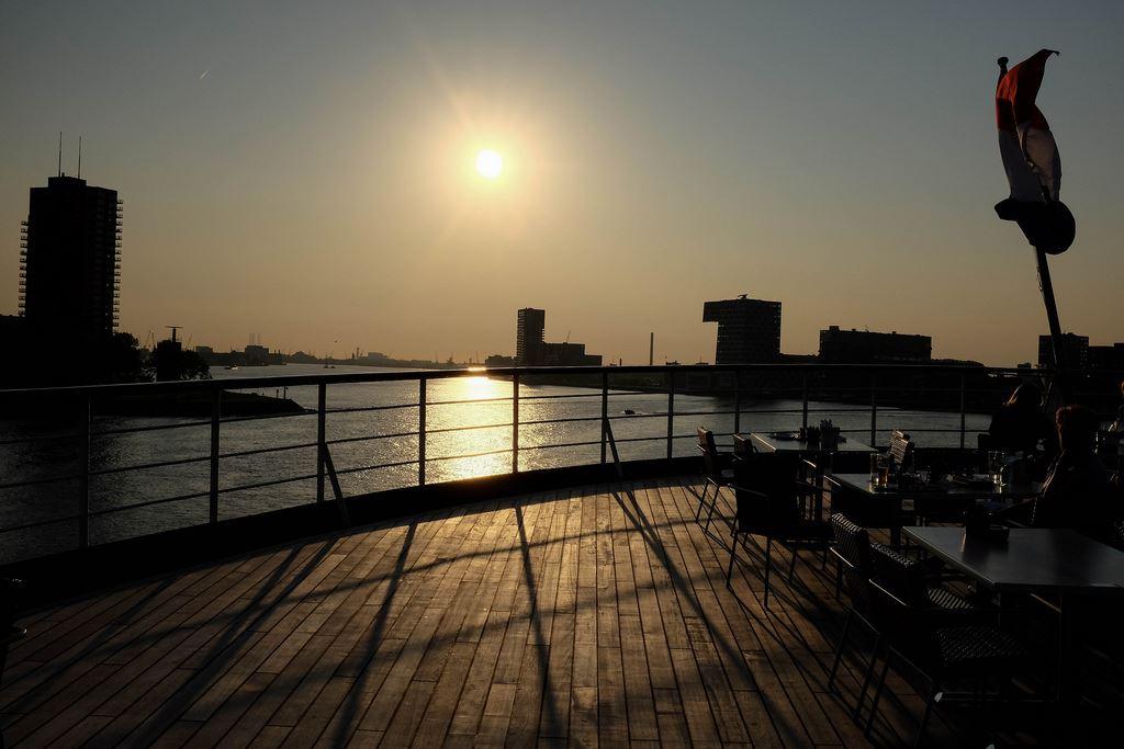 sunset SS Rotterdam