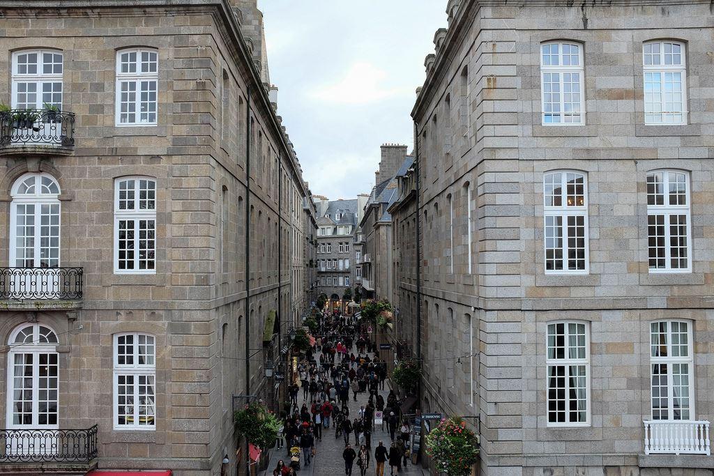 Rue commerçante de Saint-Malo